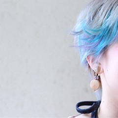 ホワイト グレージュ インナーカラー ストリート ヘアスタイルや髪型の写真・画像