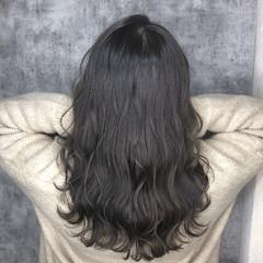 セミロング 簡単ヘアアレンジ アッシュグレージュ ダークグレー ヘアスタイルや髪型の写真・画像