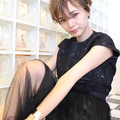 アッシュ 秋 ハイライト モード ヘアスタイルや髪型の写真・画像