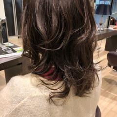セミロング ウルフカット レディース ヘアカラー ヘアスタイルや髪型の写真・画像