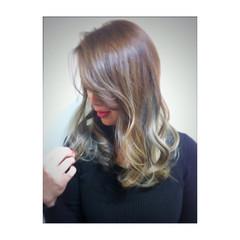 大人かわいい グラデーションカラー ゆるふわ セミロング ヘアスタイルや髪型の写真・画像
