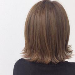 外ハネ ベージュ ハイライト ボブ ヘアスタイルや髪型の写真・画像