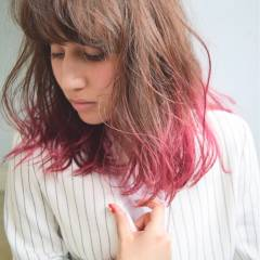 ウェットヘア 春 ピンク グラデーションカラー ヘアスタイルや髪型の写真・画像