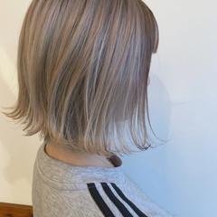 アンニュイほつれヘア ミルクティー モード ミルクティーベージュ ヘアスタイルや髪型の写真・画像