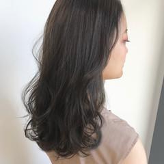 暗髪 セミロング グレージュ ナチュラル ヘアスタイルや髪型の写真・画像