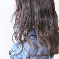 ミルクティー ストリート デザイン 透明感カラー ヘアスタイルや髪型の写真・画像