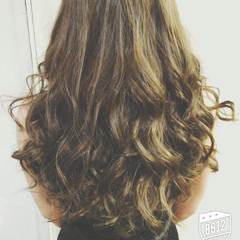ロング 巻き髪 大人かわいい ゆるふわ ヘアスタイルや髪型の写真・画像