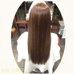 ロング コンサバ イルミナカラー アッシュ ヘアスタイルや髪型の写真・画像