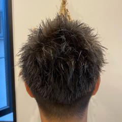 ショート ストリート メンズスタイル アップバング ヘアスタイルや髪型の写真・画像