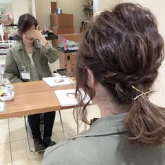 ナチュラル ミディアム 大人かわいい 波ウェーブ ヘアスタイルや髪型の写真・画像