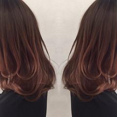 ピンク グラデーションカラー ガーリー かわいい ヘアスタイルや髪型の写真・画像