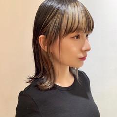 モード ハイトーンカラー 外ハネ インナーカラー ヘアスタイルや髪型の写真・画像