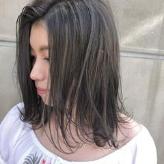 ナチュラル エフォートレス フェミニン グレージュ ヘアスタイルや髪型の写真・画像