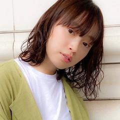 フェミニン パーマ 毛先パーマ デジタルパーマ ヘアスタイルや髪型の写真・画像