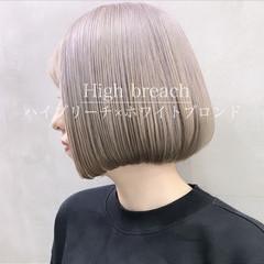 グレージュ デート ブリーチ ストリート ヘアスタイルや髪型の写真・画像