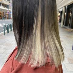 セミロング ホワイトブリーチ インナーカラー ブリーチカラー ヘアスタイルや髪型の写真・画像