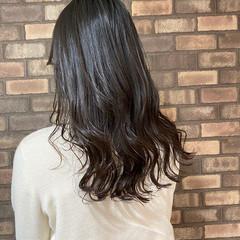大人ロング ナチュラル 艶髪 イルミナカラー ヘアスタイルや髪型の写真・画像