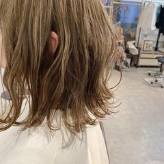 切りっぱなしボブ ミルクティーベージュ フェミニン モテボブ ヘアスタイルや髪型の写真・画像