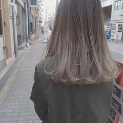 ロング ストリート イルミナカラー 外国人風 ヘアスタイルや髪型の写真・画像