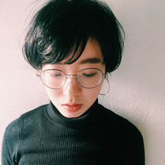 ショート 透明感 アッシュ 暗髪 ヘアスタイルや髪型の写真・画像