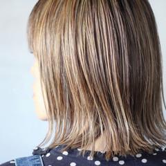 ベージュ 大人ハイライト コントラストハイライト ナチュラル ヘアスタイルや髪型の写真・画像