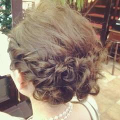 コンサバ ヘアアレンジ 結婚式 三つ編み ヘアスタイルや髪型の写真・画像
