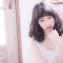 ストリート 暗髪 ショートバング フェミニン ヘアスタイルや髪型の写真・画像