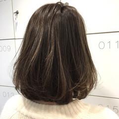 ボブ ハイライト アッシュグレー アッシュグレージュ ヘアスタイルや髪型の写真・画像