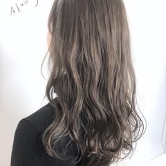 ミルクティーベージュ シアーベージュ ロング アッシュベージュ ヘアスタイルや髪型の写真・画像