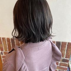 ナチュラル アッシュ シルバーアッシュ 外ハネボブ ヘアスタイルや髪型の写真・画像