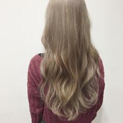 ロング 大人かわいい 外国人風 ダブルカラー ヘアスタイルや髪型の写真・画像