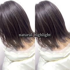 極細ハイライト ミディアム 大人ハイライト ハイライト ヘアスタイルや髪型の写真・画像