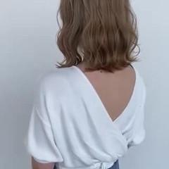 ナチュラル可愛い ブリーチオンカラー ボブ ミルクティーベージュ ヘアスタイルや髪型の写真・画像