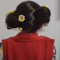 お団子ヘア フェミニン セミロング ヘアアレンジ ヘアスタイルや髪型の写真・画像