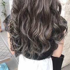 グラデーションカラー ゆるふわ セミロング グレージュ ヘアスタイルや髪型の写真・画像