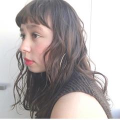 前髪パーマ 前髪アレンジ ロング 簡単スタイリング ヘアスタイルや髪型の写真・画像