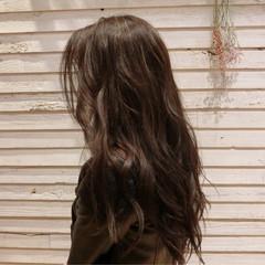 フリンジバング アッシュ インナーカラー ロング ヘアスタイルや髪型の写真・画像