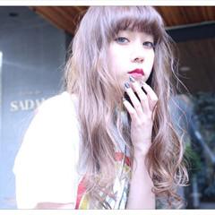 フリンジバング 前髪あり ロング ナチュラル ヘアスタイルや髪型の写真・画像