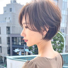ハンサムショート フェミニン ミニボブ ショートカット ヘアスタイルや髪型の写真・画像