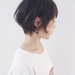 ウェーブ 大人女子 ナチュラル くせ毛風 ヘアスタイルや髪型の写真・画像