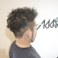 フェードカット ショート ツイスト メンズ ヘアスタイルや髪型の写真・画像