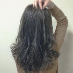 外国人風 イルミナカラー ロング ナチュラル ヘアスタイルや髪型の写真・画像
