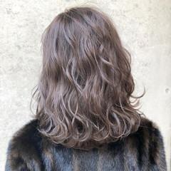 グラデーションカラー ミディアム ハイライト ラベンダーアッシュ ヘアスタイルや髪型の写真・画像