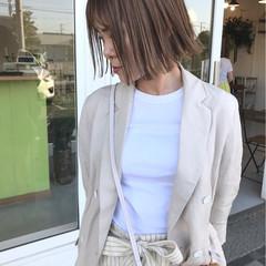 アッシュグレージュ ストリート 外国人風カラー オフィス ヘアスタイルや髪型の写真・画像