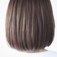 ボブ ナチュラル グレージュ ショコラブラウン ヘアスタイルや髪型の写真・画像