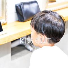 メンズヘア ショート キッズカット ナチュラル ヘアスタイルや髪型の写真・画像