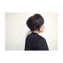 ショート 暗髪 インナーカラー アッシュ ヘアスタイルや髪型の写真・画像