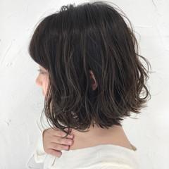 色気 ボブ グレージュ アッシュ ヘアスタイルや髪型の写真・画像