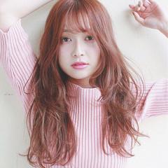 フリンジバング ピンク デート 前髪あり ヘアスタイルや髪型の写真・画像