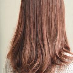ハイライト フェミニン 抜け感 ストレート ヘアスタイルや髪型の写真・画像